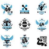 Set wektorowi bodybuilding tematu emblematy i reklamowi plakaty komponowa? u?ywa? dumbbells, barbells, czajnik?w dzwon?w sporta w ilustracji