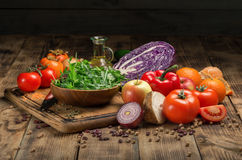 Set świezi produkty dla zdrowego jedzenia na drewnianym stole Obrazy Royalty Free