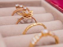 Set Złociści pierścionki Obrazy Royalty Free