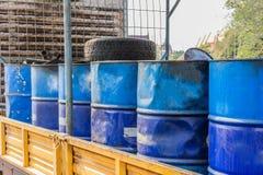 Set zbiorniki z oleju i paliwa transportem poręczem Obraz Stock