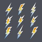 Set zygzakowaci błyskawicowi rygle lub elektryczność ikony royalty ilustracja