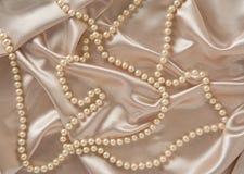 Seta & perle fotografie stock libere da diritti