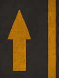 A seta do Grunge assina a estrada Imagem de Stock Royalty Free