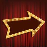 Seta dourada com as ampolas na cortina teatral vermelha Fotos de Stock Royalty Free