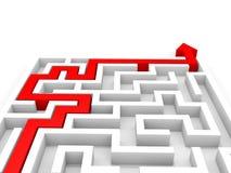 Seta que atravessa o labirinto Conceito direito da solução Imagens de Stock Royalty Free