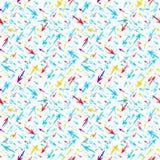 Setas coloridas pequenas em um teste padrão geométrico sem emenda do fundo branco Fotos de Stock