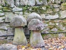 Setas de piedra en Lindisfarne la isla santa Foto de archivo libre de regalías