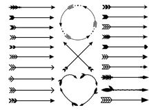 Setas do moderno Setas no estilo do boho Setas tribais transversais de Criss Monogramas do círculo e do coração Grupo de setas in ilustração royalty free