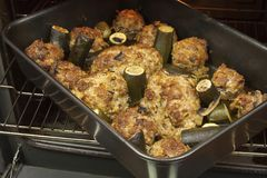 Setas rellenas con la carne picadita con el calabacín Imagen de archivo libre de regalías