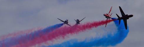 Setas vermelhas - ascendente e colorido próximos Imagens de Stock Royalty Free