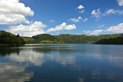 Sete Cidades, ηφαιστειακές δίδυμες λίμνες στις Αζόρες Στοκ Εικόνες