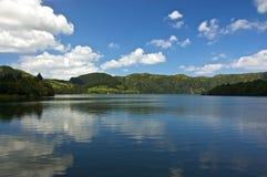 Sete Cidades, Powulkaniczni bliźniaczy jeziora na Azores Zdjęcie Stock
