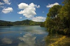 Sete Cidades, Powulkaniczni bliźniaczy jeziora na Azores Zdjęcia Royalty Free