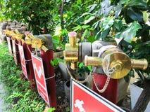 setembro 7,2018 banguecoque tailândia Conexão do departamento dos bombeiros no jardim fotografia de stock royalty free