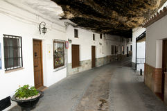 Setenil de las Bodegas - Spanje stock afbeeldingen