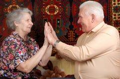 Setenta mãos do `s do aplauso um dos pares dos anos de idade Fotografia de Stock