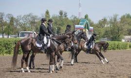 Setkarzi na torze wyścigów konnych na dniu otwarcia Obraz Royalty Free