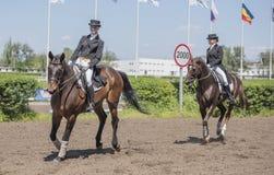Setkarzi na torze wyścigów konnych na dniu otwarcia Zdjęcia Royalty Free