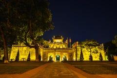 Setor central da citadela imperial de Thang por muito tempo, o complexo cultural que compreende o cerco real construída primeiram imagem de stock royalty free