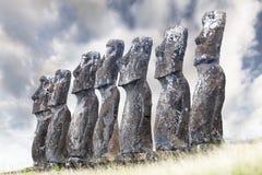 Sette Moais che guarda verso il mare Fotografia Stock Libera da Diritti