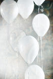 Sette palloni bianchi Immagini Stock