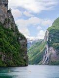 Sette sorelle cascate nel fiordo di Geiranger, Norvegia Fotografia Stock Libera da Diritti
