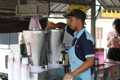 27 settembre 2016, il Malacca, Malesia La scossa della noce di cocco di Klebang era al giorno d'oggi la bevanda più calda in mela Fotografia Stock Libera da Diritti