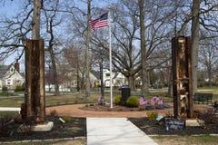 11 settembre memoriale con le colonne dal sito del World Trade Center in Rockaway orientale Immagini Stock Libere da Diritti