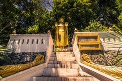 20 settembre 2014: Statua buddista in Luang Prabang, Laos Immagini Stock