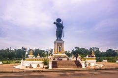 25 settembre 2014: Statua di re Anouvong a Vientiane, Laos Fotografia Stock
