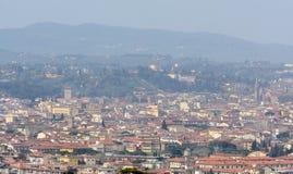 Settignano ist eine alte toskanische Stadt auf einem Hügel, mit einem schönen Panoramablick von Florenz Die Stadt ist im Nordoste lizenzfreies stockbild