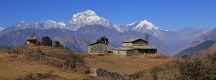 Settima più alta montagna del mondo, Dhaulagiri Fotografie Stock Libere da Diritti