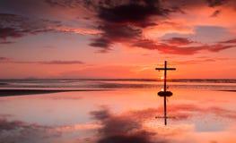 Setting Sun Cross Royalty Free Stock Image