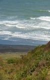 Setzen Sie Buggy auf Kareotahi Strand auf den Strand lizenzfreies stockbild
