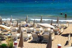 Setzen Sie in Cannes auf den Strand Stockfotografie