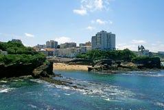 Setzen Sie in der Stadt von Biarritz, baskische Küste, Frankreich auf den Strand stockfotos