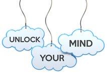 Setzen Sie Ihren Verstand auf Wolkenfahne frei vektor abbildung