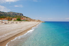 Setzen Sie im Hotel in Kiris (Kemer), die Türkei auf den Strand Stockfotografie