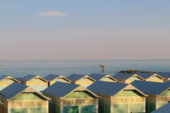 Setzen Sie Kabinen auf dem Lido-Strand in Venedig, Italien auf den Strand Stockbilder
