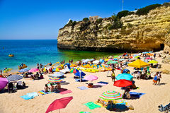 Setzen Sie nahe Armacao de Pera in der Algarve, Portugal auf den Strand Lizenzfreie Stockfotografie