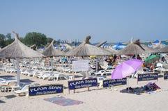 Setzen Sie in Neptun, ein Erholungsort auf der rumänischen Seeküste auf den Strand Lizenzfreies Stockbild