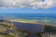 Setzen Sie Paradies, wunderbaren Strand, Strand in der Region von Arraial tun Cabo, Zustand von Rio de Janeiro, Brasilien Südamer lizenzfreie stockfotos