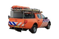 Setzen Sie Patrouillen- oder Leibwächter-LKW auf dem weißen Hintergrund auf den Strand Lizenzfreie Stockbilder