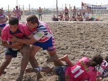 Setzen Sie Rugby Rosolina 2016 auf den Strand - setzen Sie Kerlteam auf den Strand Lizenzfreies Stockbild