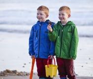 Setzen Sie Spaß auf den Strand stockbilder