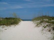 Setzen Sie Zugriff auf den Strand stockfoto