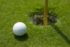Setzendes Grün des Golfs Lizenzfreies Stockbild