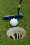 Setzendes Grün des Golfs Lizenzfreie Stockfotos