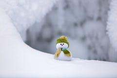 Seul bonhomme de neige de neige texturisée Photographie stock