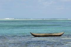 Seul canoë de pirogue Image libre de droits